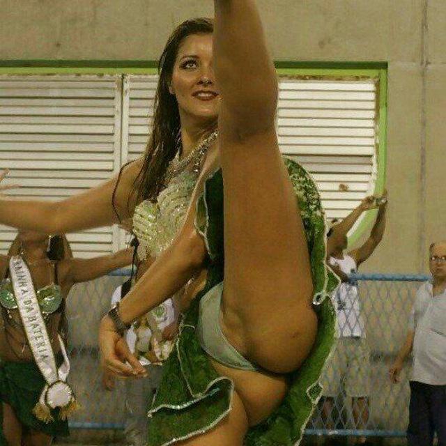 Девушки бане голые в бальных танцах член